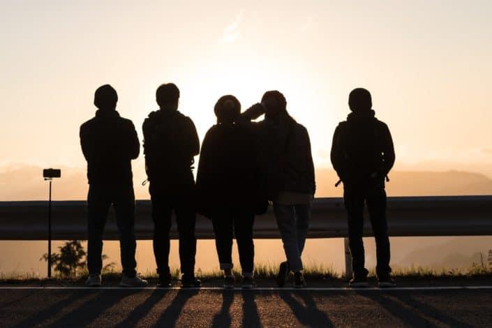 preguntas personales para conocer a alguien profundamente - ¿Quiénes son las cinco personas con las que estás más cerca?